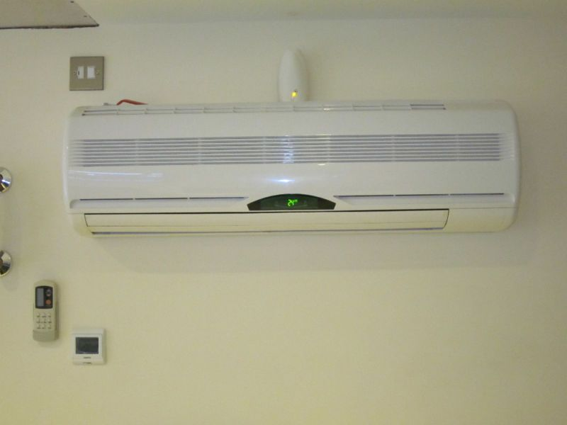 Fan Coils, For heating and cooling. Heat pump.Hydronic radiators